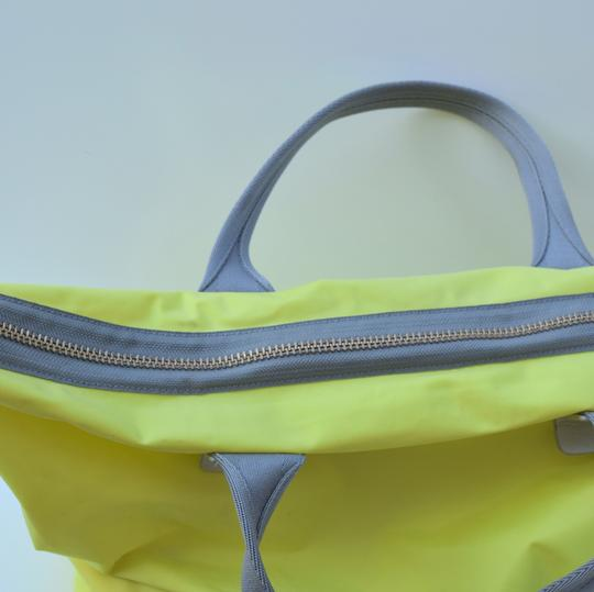 Marc by Marc Jacobs Tote in light neon green Image 11
