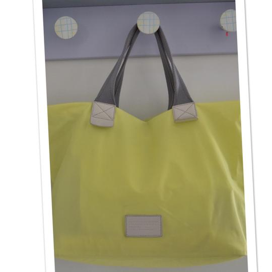 Marc by Marc Jacobs Tote in light neon green Image 3