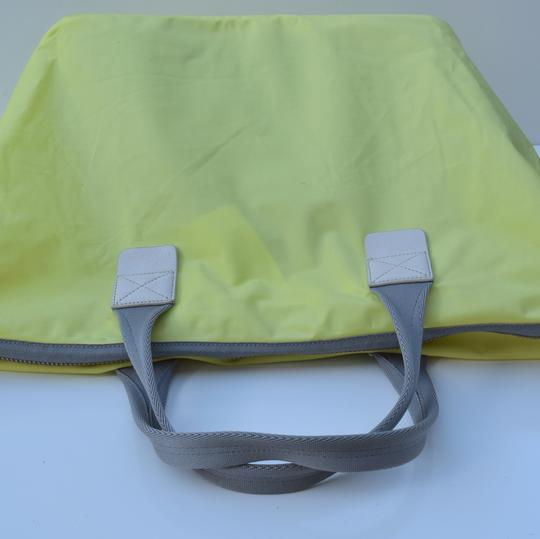 Marc by Marc Jacobs Tote in light neon green Image 4