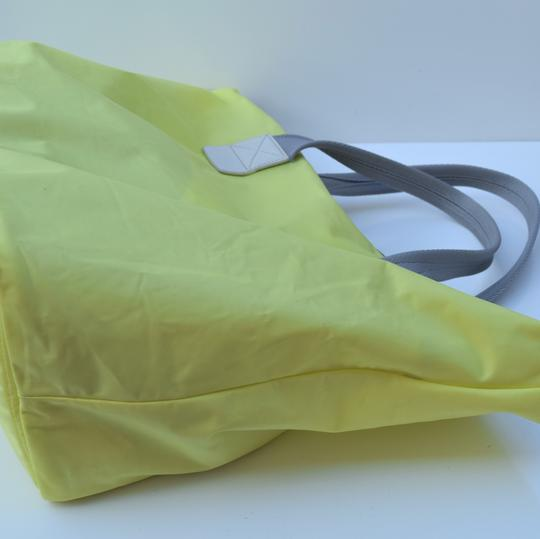 Marc by Marc Jacobs Tote in light neon green Image 6