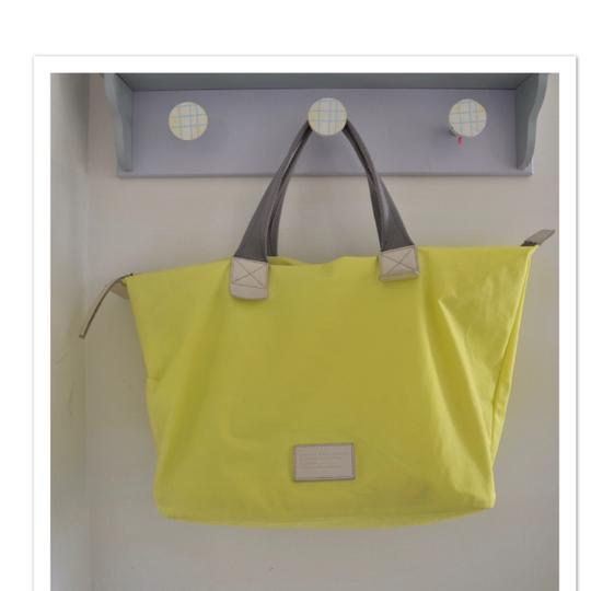 Marc by Marc Jacobs Tote in light neon green Image 9