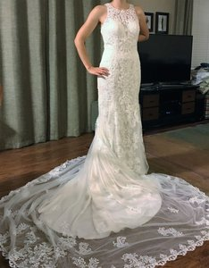 Essense of Australia Ivory Lace Over Satin D2174 Modern Wedding Dress Size 6 (S)