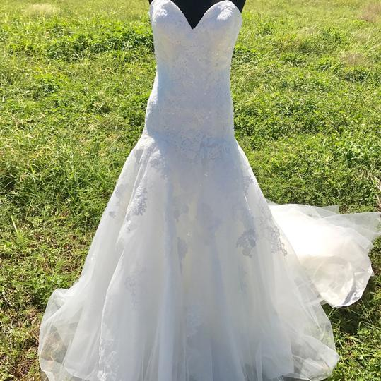 Allure Bridals Ivory Lace and Tulle 9314 Feminine Wedding Dress Size 12 (L) Image 1