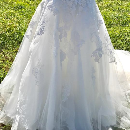 Allure Bridals Ivory Lace and Tulle 9314 Feminine Wedding Dress Size 12 (L) Image 2
