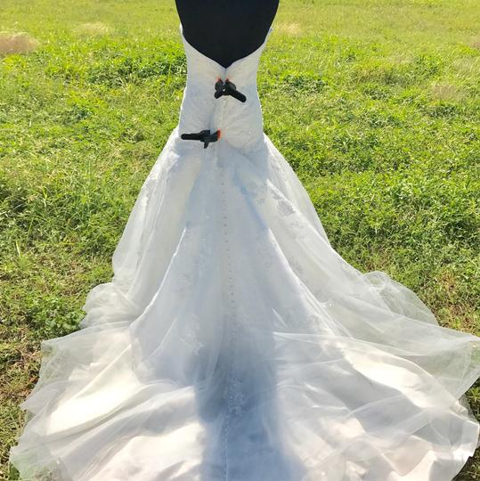Allure Bridals Ivory Lace and Tulle 9314 Feminine Wedding Dress Size 12 (L) Image 3