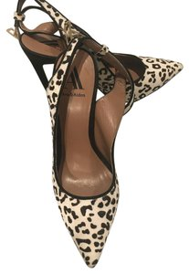 Ava & Aiden Heel Sexy Animal Print Mohair black and white Pumps
