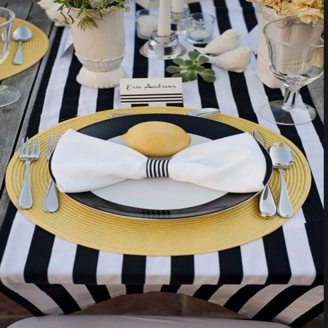 "Item - Black and White 1"" Stripes Sophisticated Table Runners Tablecloth"