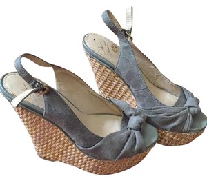 91422875b382c0 Colin Stuart Wedges - Up to 90% off at Tradesy