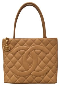 425583bfcc17fb Chanel Medallion Tote - Up to 70% off at Tradesy