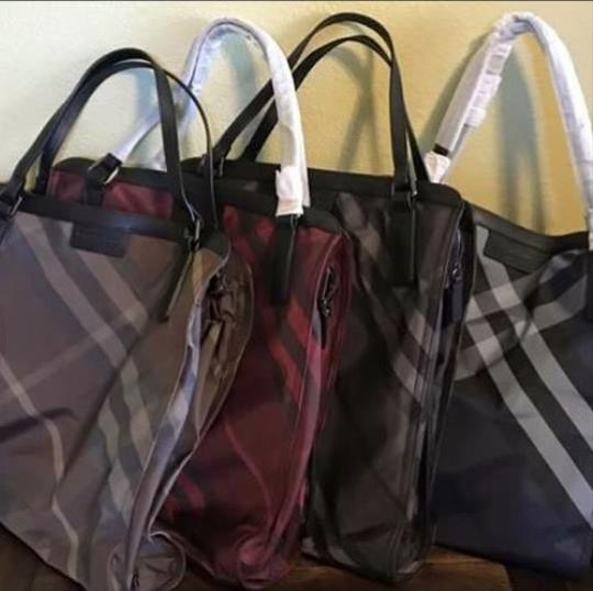 Burberry Tote in Navy Image 4