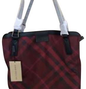 Burberry Tote in Burungdy / Wine