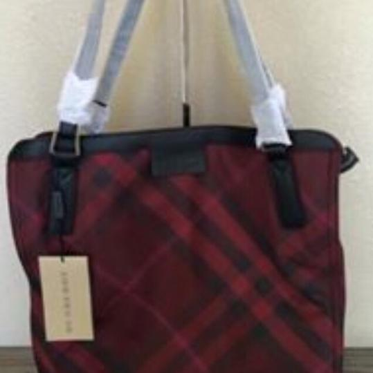 Burberry Tote in Burungdy / Wine Image 1