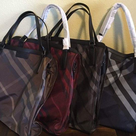 Burberry Tote in Burungdy / Wine Image 2