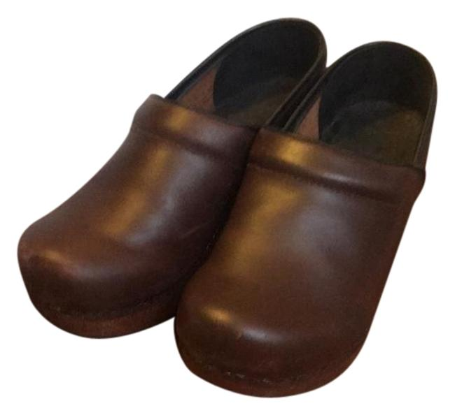Dansko Brown Twice Leather with Wooden Frame. Worn Twice. Some Scuffing On Front and Inner Of Mules/Slides Size EU 37 (Approx. US 7) Regular (M, B) Dansko Brown Twice Leather with Wooden Frame. Worn Twice. Some Scuffing On Front and Inner Of Mules/Slides Size EU 37 (Approx. US 7) Regular (M, B) Image 1