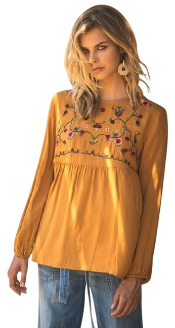 Preload https://img-static.tradesy.com/item/22178786/toffee-embroidered-fall-new-keyhole-back-long-sleeve-blouse-size-12-l-0-1-650-650.jpg