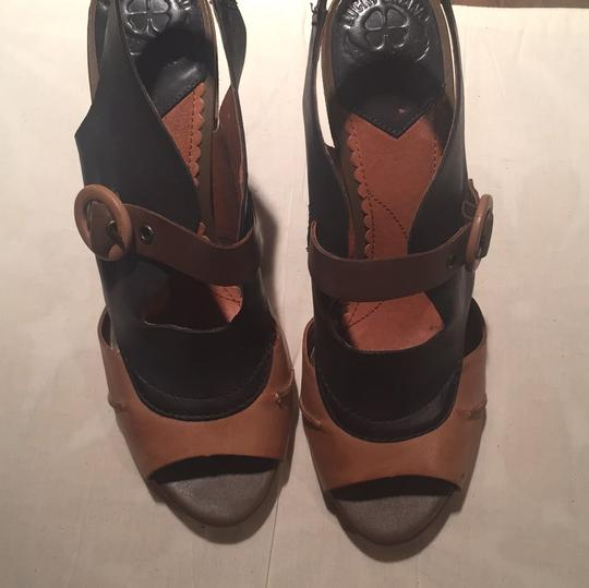 Lucky Brand Tan/Navy Sandals Image 2