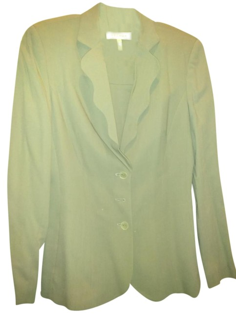 Item - Light Grey German 36 Wool with Scallopped Front Skirt Suit Size 6 (S)