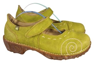 El Naturalista Woman Mary Janes Flog Shock System green Platforms