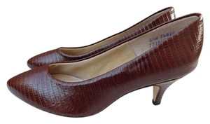 Hush Puppies Leather Brown Pumps
