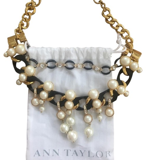 Preload https://img-static.tradesy.com/item/22180437/ann-taylor-black-white-and-gold-pearl-crystal-necklace-0-1-540-540.jpg