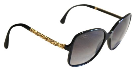 Preload https://img-static.tradesy.com/item/22181818/chanel-black-5355-gold-sculptured-camellia-flower-arms-size-58mm-sunglasses-0-1-540-540.jpg