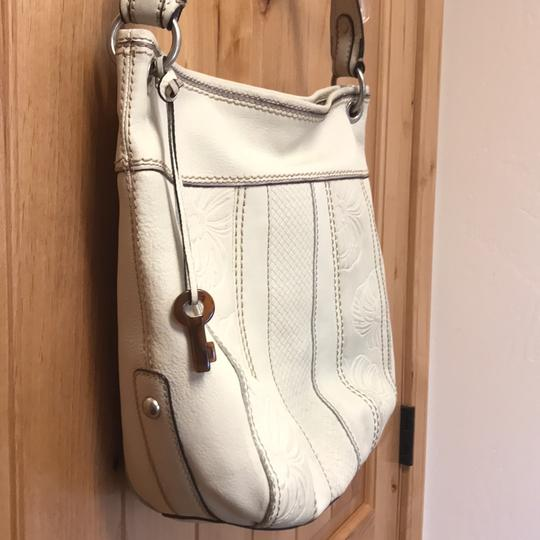 Fossil Bag Tote in cream Image 1