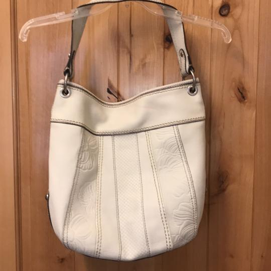 Fossil Bag Tote in cream Image 5