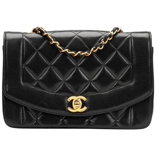 Preload https://img-static.tradesy.com/item/22182918/chanel-classic-flap-vintage-quilted-small-single-black-lambskin-leather-shoulder-bag-0-2-540-540.jpg