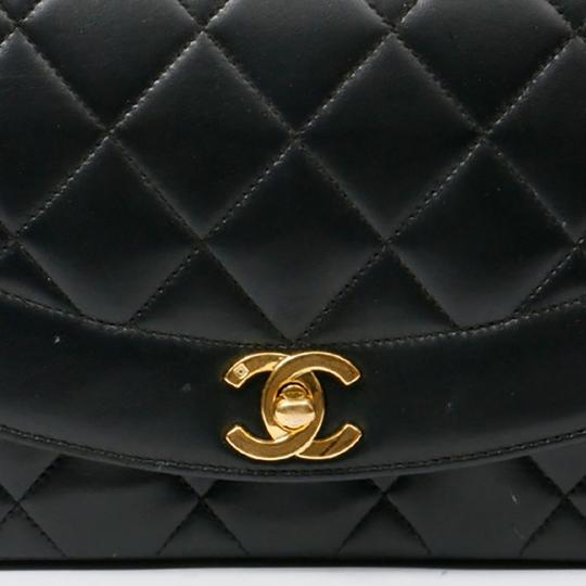 Chanel Vintage Lambskin Diana Flap Shoulder Bag Image 3