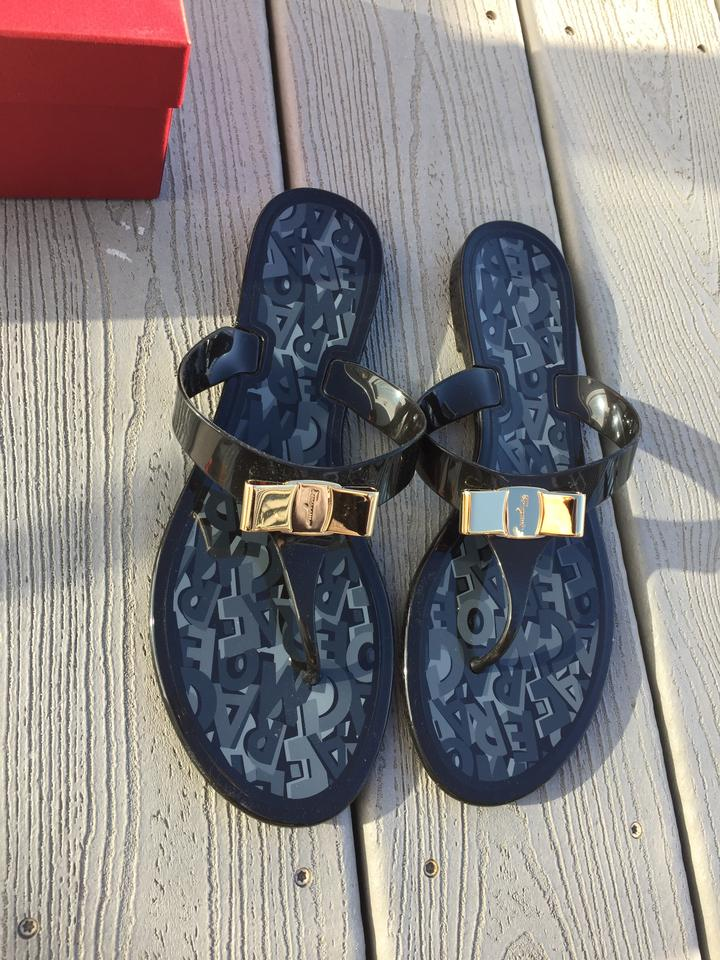 4eb471b242e0 ... Sandals Jelly Thong Ferragamo Farelia Black Salvatore UZwS1Oy ...