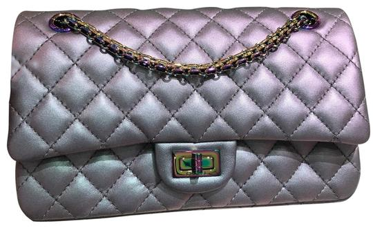Preload https://img-static.tradesy.com/item/22184339/chanel-255-reissue-iridescent-light-purple-cross-body-bag-0-3-540-540.jpg