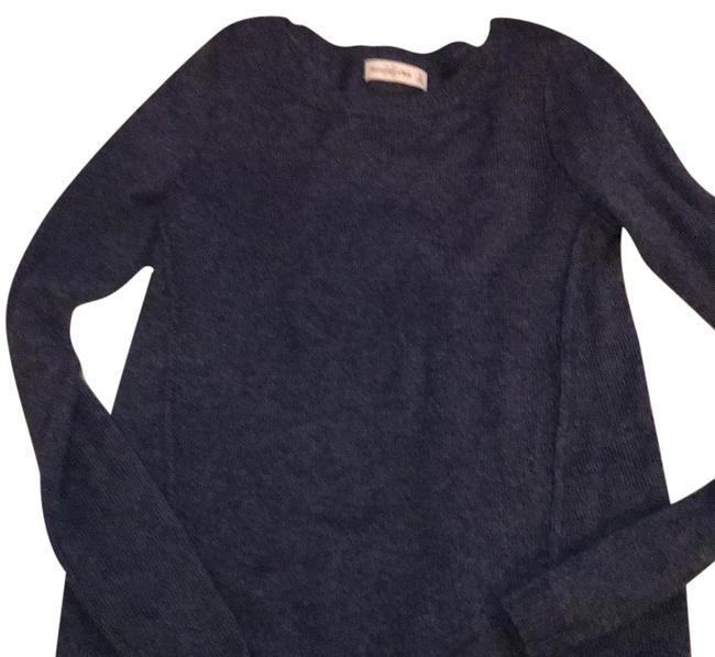 Preload https://img-static.tradesy.com/item/22184351/abercrombie-and-fitch-denim-blue-sweaterpullover-size-4-s-0-1-650-650.jpg
