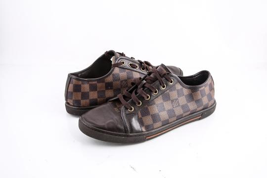 Preload https://img-static.tradesy.com/item/22184363/louis-vuitton-damier-low-top-sneaker-shoes-0-0-540-540.jpg