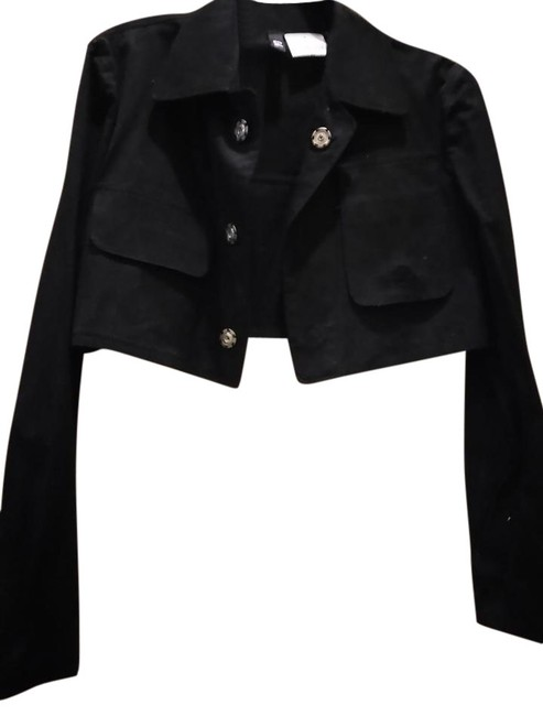Preload https://item5.tradesy.com/images/y-3-black-designer-cropped-with-snaps-and-size-6-s-22184409-0-1.jpg?width=400&height=650
