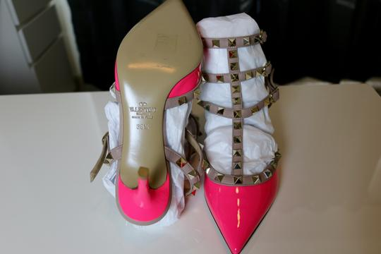 Valentino Studded Patent Leather Pink Rockstud Fuchsia Pumps