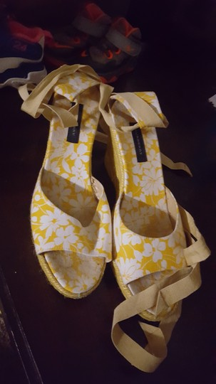 Burberry Floral Sandals Yellow white Wedges