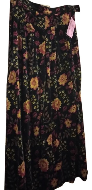 Preload https://item4.tradesy.com/images/free-people-black-red-yellow-green-long-pleated-print-maxi-skirt-size-4-s-27-22184793-0-1.jpg?width=400&height=650