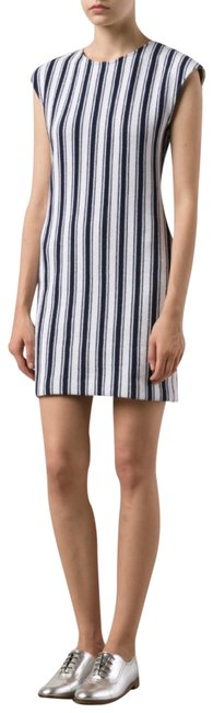 Preload https://img-static.tradesy.com/item/22185161/theory-cyclade-backon-blue-and-white-knit-short-casual-dress-size-6-s-0-3-650-650.jpg