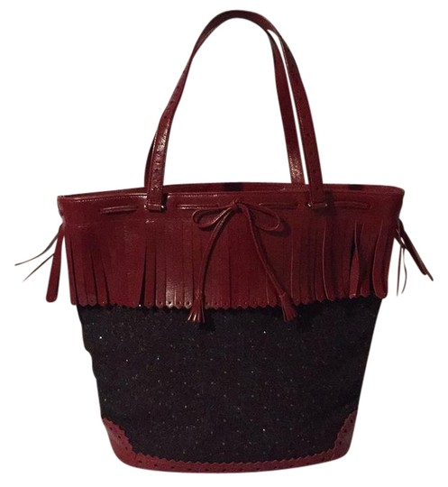 Preload https://img-static.tradesy.com/item/22185370/moschino-burgundy-brown-tweedleather-tote-0-1-540-540.jpg