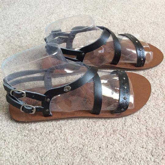 Roxy Black/tan Sandals