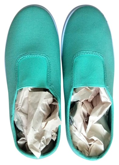 Preload https://img-static.tradesy.com/item/22185508/mint-green-slip-on-sneakers-size-us-5-regular-m-b-0-1-540-540.jpg