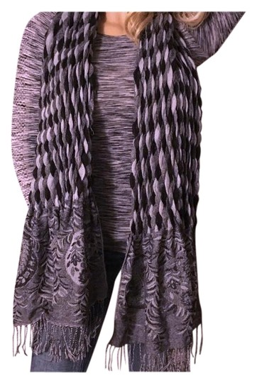 Preload https://img-static.tradesy.com/item/22185582/coldwater-creek-black-gray-oversized-and-tassel-scarfwrap-0-1-540-540.jpg