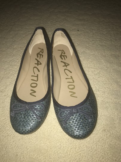 Kenneth Cole Reaction Turquoise Flats