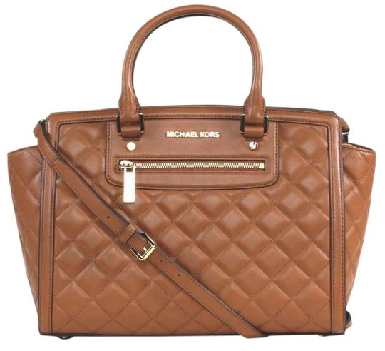 Preload https://img-static.tradesy.com/item/22185722/michael-kors-selma-large-top-quilted-new-with-tags-walnut-browngold-tone-hardware-leather-satchel-0-1-540-540.jpg