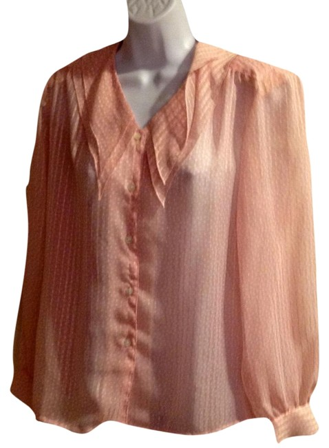 Preload https://img-static.tradesy.com/item/22185951/pink-vintage-button-down-top-size-4-s-0-1-650-650.jpg