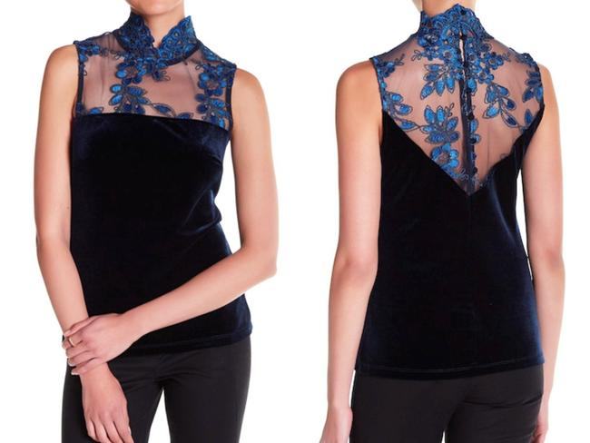 Romeo + Juliet Couture Stand Up Collar Sleeveless Back Button Closure Embroidery Mesh Super Nice Top Navy