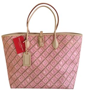 Dooney & Bourke Tote in Bubble gum