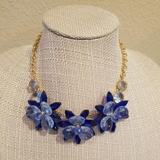 Kate Spade Kate Spade Blooming Brilliant Gold Plated Resin Blue Blossom Flower Necklace. NWT Image 3