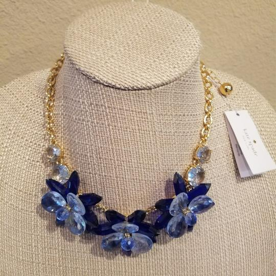 Kate Spade Kate Spade Blooming Brilliant Gold Plated Resin Blue Blossom Flower Necklace. NWT Image 4