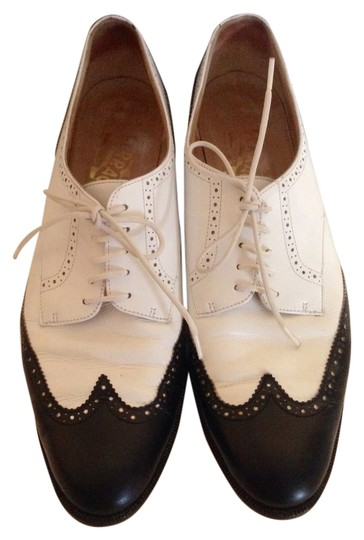 Preload https://item3.tradesy.com/images/salvatore-ferragamo-white-and-black-baroque-lace-up-formal-shoes-size-us-75-narrow-aa-n-2219517-0-0.jpg?width=440&height=440